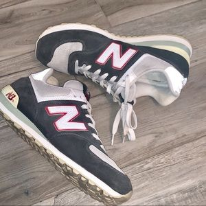 New Balance Shoes - NEW BALANCE Classic Grey Sneakers